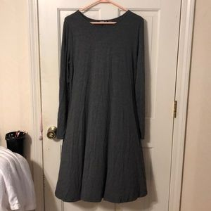 Boutique style dress with pockets